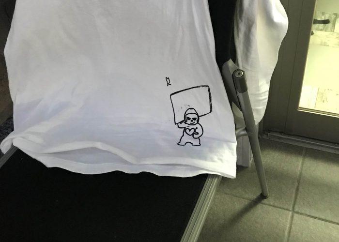 事務所に余っていたTシャツでデザインや素材など試しがてらプリントしてみました٩( ᐛ )و